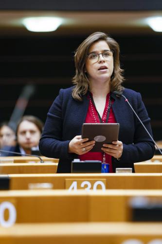 Sara Cerdas negoceia estratégia da UE para COVID-19