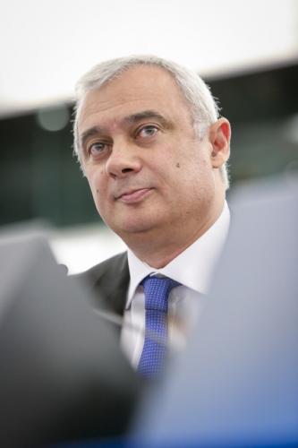 Relatório de Pedro Silva Pereira sobre o Banco Europeu de Investimento aprovado por larga maioria